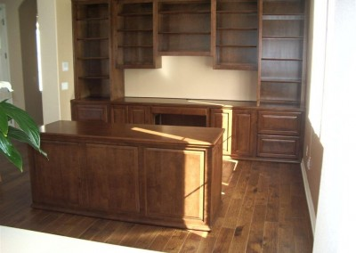 built in home office furniture and desks (104)
