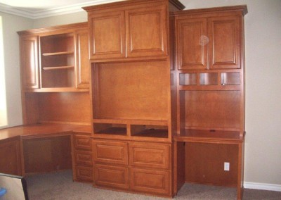built in home office furniture and desks (105)