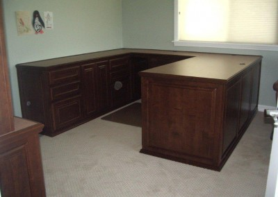 built in home office furniture and desks (109)