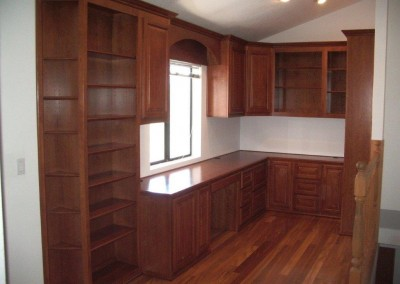 built in home office furniture and desks (110)