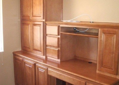 built in home office furniture and desks (113)