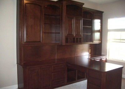 built in home office furniture and desks (114)
