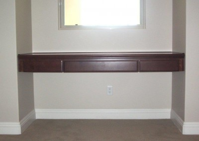 built in home office furniture and desks (115)