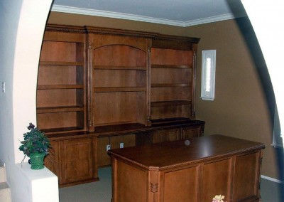 built in home office furniture and desks (29)