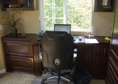 built in home office furniture and desks (37)