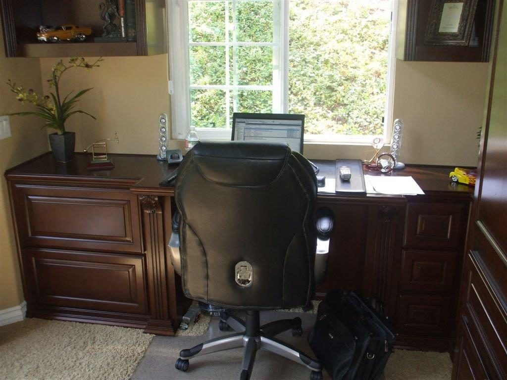built in home office furniture and desks
