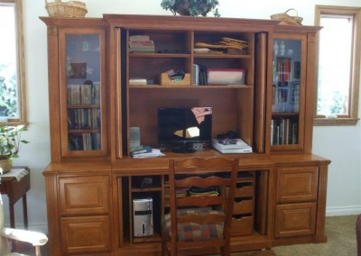 built in home office furniture and desks (56)