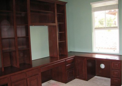 built in home office furniture and desks (64)