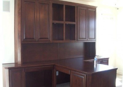 built in home office furniture and desks (70)