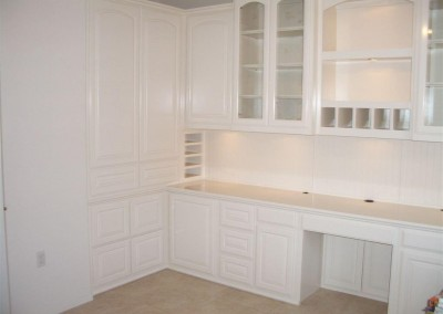 built in home office furniture and desks (71)