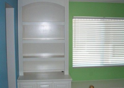built in home office furniture and desks (72)