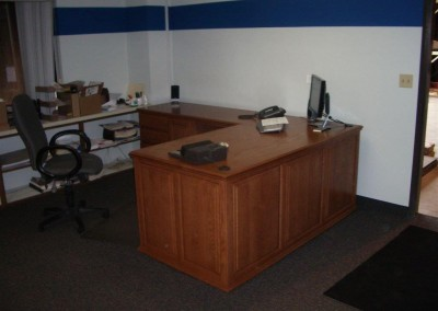 built in home office furniture and desks (85)