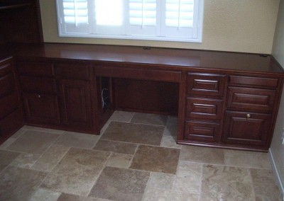 built in home office furniture and desks (87)