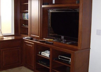 built in home office furniture and desks (94)