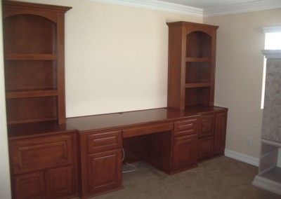 built in home office furniture and desks (98)