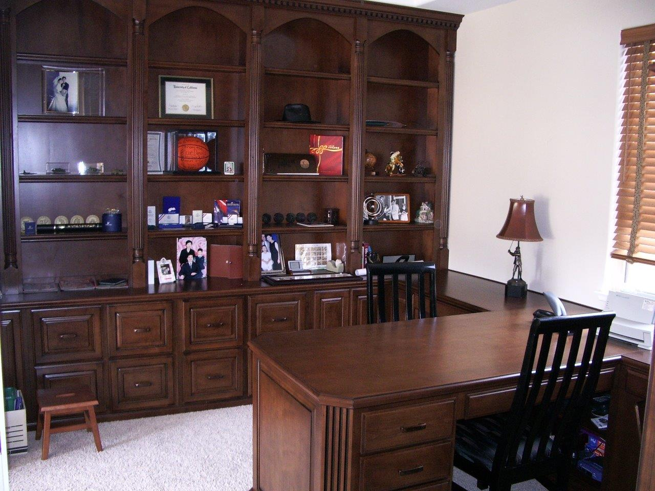 Built in desk and bookshelves in Ladera Ranch