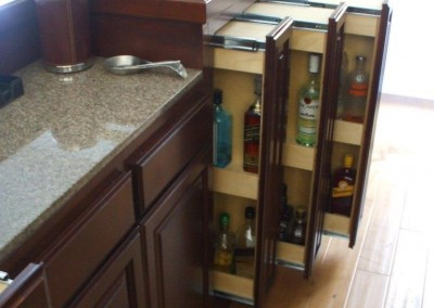 Pull out bar storage