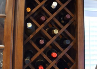 Criss-cross wine rack storage