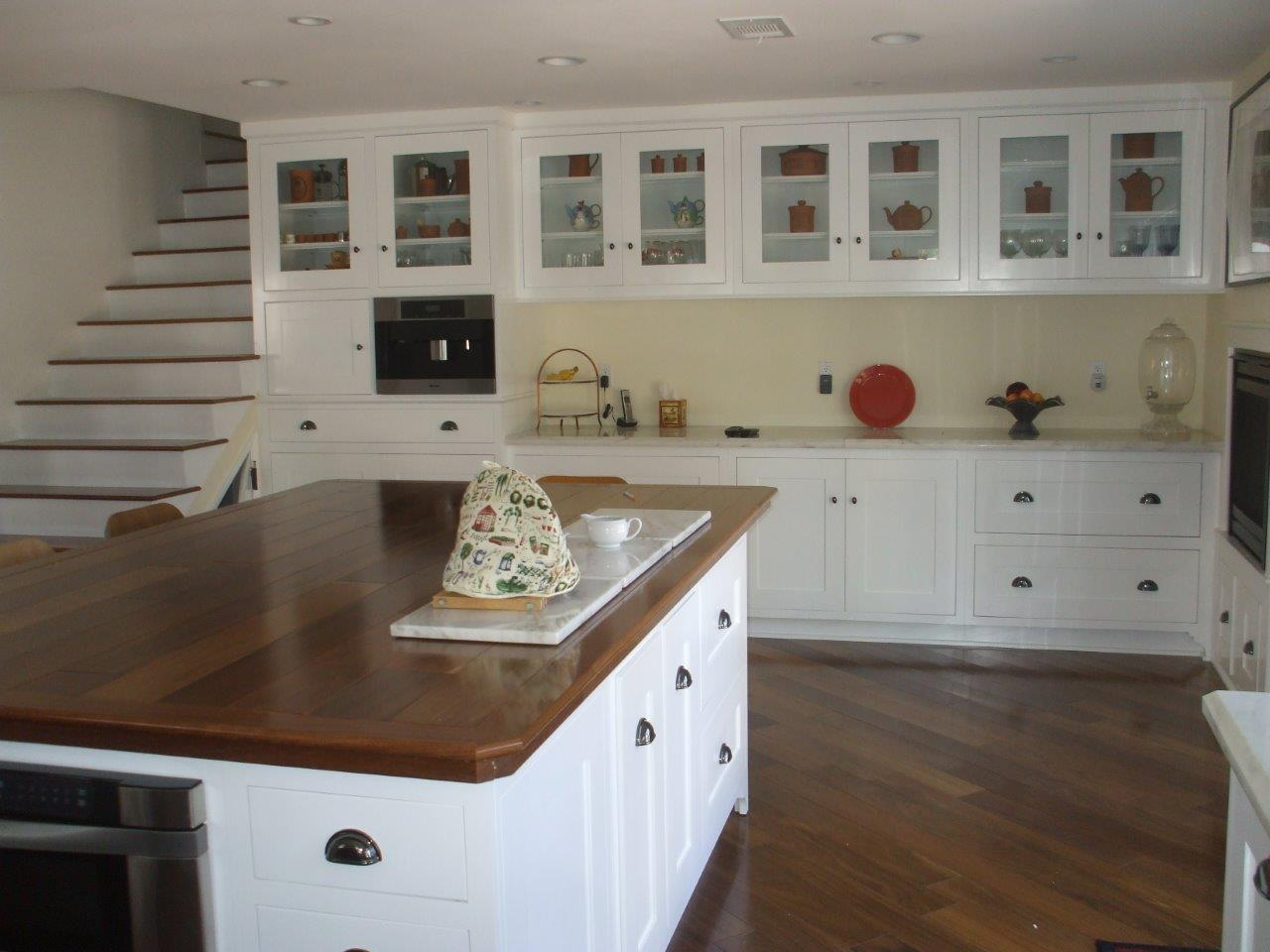 White kitchen cabinets with shaker doors call us at 888 201 9663 white kitchen cabinets with shaker doors planetlyrics Image collections