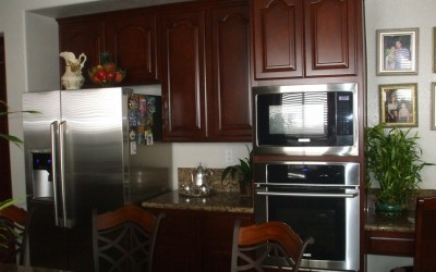 Get the best price on kitchen cabinet refacing