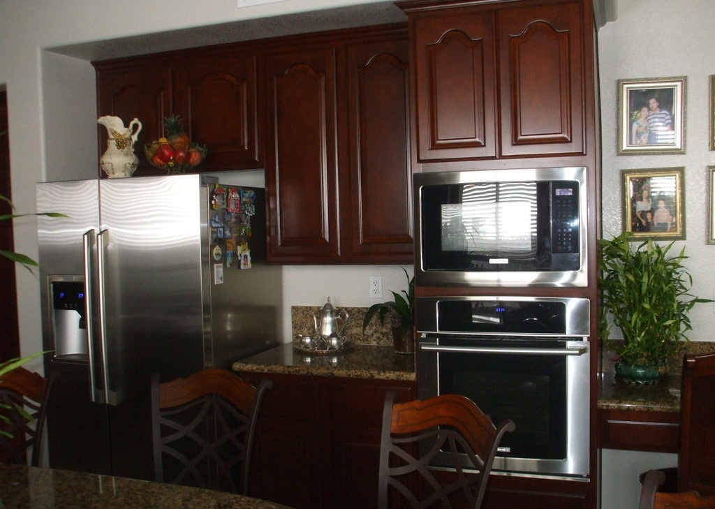 Kitchen cabinet refacing includes 20 year warranty for Kitchen cabinet refacing